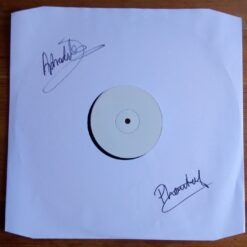 Signed White Label – USWAX003